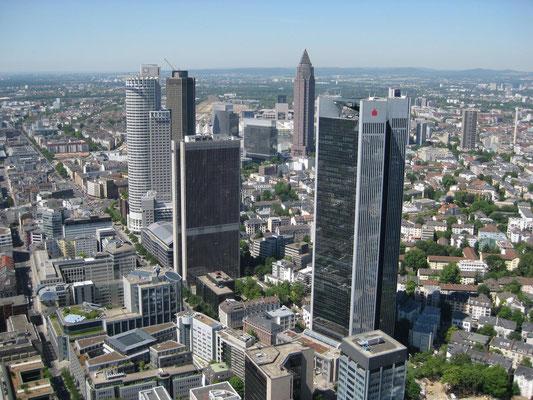 ... gestattet einen tollen Blick über Frankfurt ...