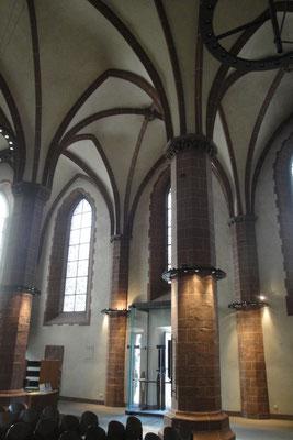 Alte Nikolaikirche innen