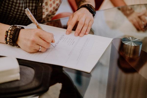 Unterschrift der Eheurkunde