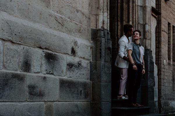 Bräute am Standesamt in Köln