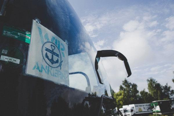 Geschmückter Bus für die Hochzeitsgesellschaft
