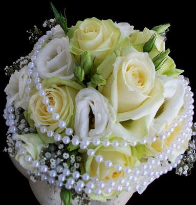 Rosen mit Perlen