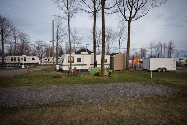 Der erste offene Campingplatz. Quebec, Kanada 5/2014