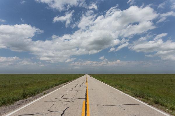 Der TransAmerica Trail - eine der beliebtesten Fahrradrouten durch die USA. Kansas, USA 6/2014
