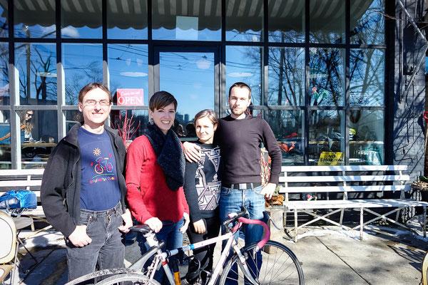 Fahrradfahrer treffen in Toronto. Kanada 3/2014