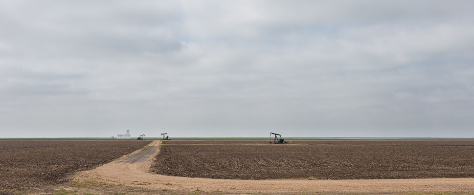 This is where oil is pumped... Kansas, USA 6/2014