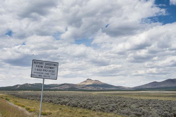 Auf dem Highway 50 - angeblich der einsamste Highway der Welt. Nevada, USA 8/2014