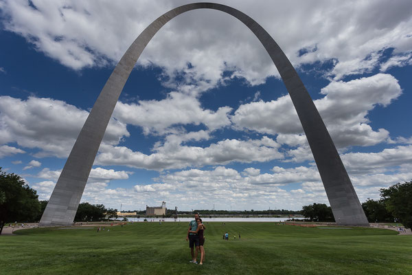 The Gateway to the West, right in the middle of our trip. St. Louis, Missouri, USA 6/2014