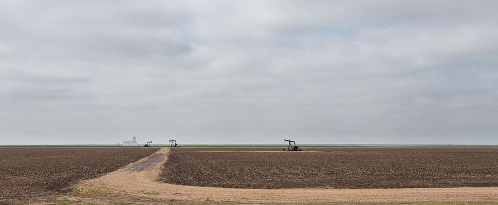 Hier wird Öl gepumpt... Kansas, USA 6/2014