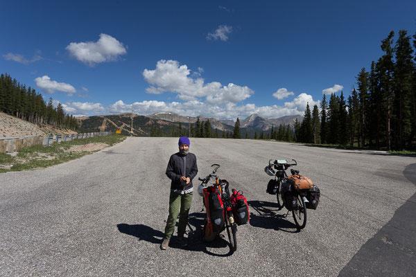 Auf dem Monarch Pass, 3,448 m über dem Meer. Der höchste Pass unserer Radtour durch die USA. 8/2014