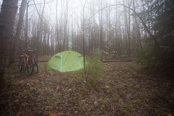 Grusliges Campen. St. Jérôme. Quebec, Kanada 5/2014