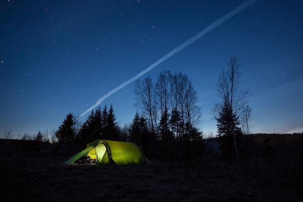Zelten neben dem Transcanada Highway. New Brunswick, Kanada 4/2014