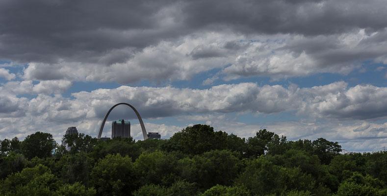 Ab jetzt geht unsere Fahrradtour durch die USA offiziell im Westen weiter. St Louis. Missouri, USA 6/2014
