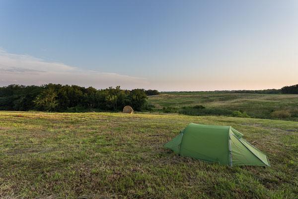 Zelten auf der Wiese bei den Stevens. Missouri, USA 6/2014