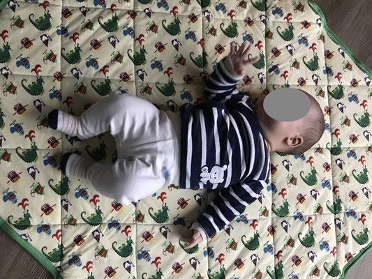 Babyquilt aus nur einem Jerseystoff mit Ritter Motiv