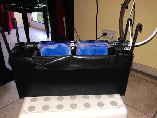 so sehen die Tücher mit Ablagerungen bei Verwendung von destilliertem Wasser aus