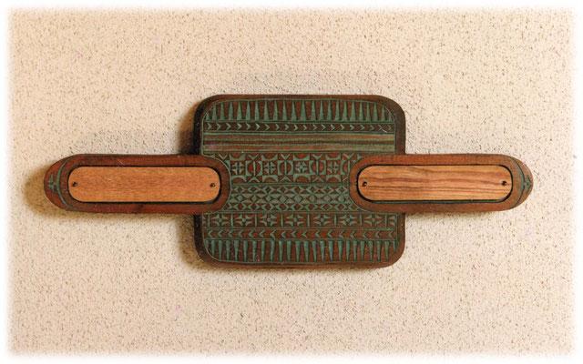 ♪ リフレイン ♪ を身にまとう      (中国・苗族の袖飾りの紋様)