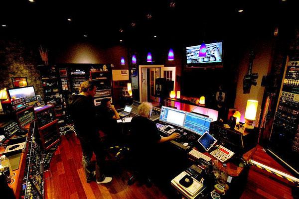 Mixing process at Wireworld Studio