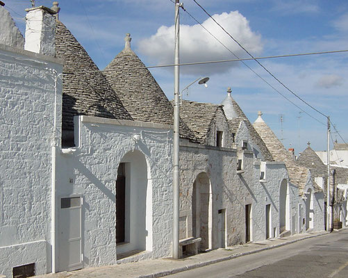 Alberobello 2004