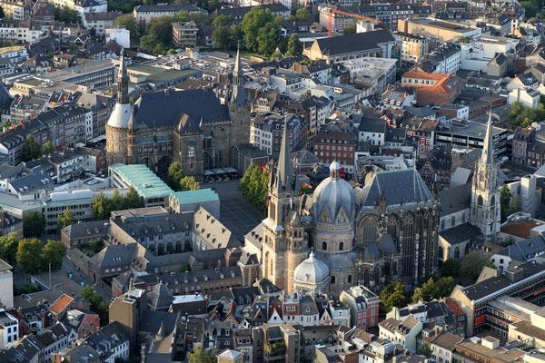 Aachener Dom und Rathaus - Ballonfahrt 2014