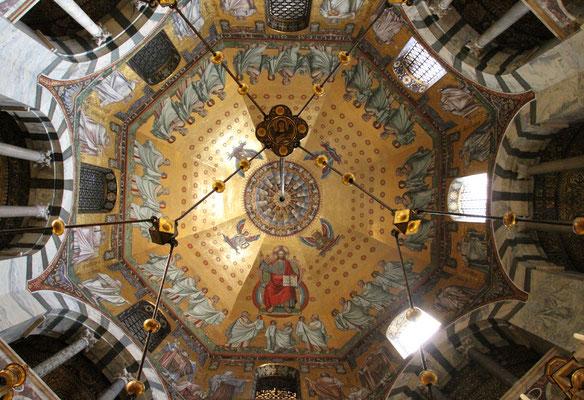Blick ins Oktogon - Aachener Dom 2015