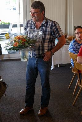 Dank und Übergabe eines verdienten Blumenstrausses für die Rechnungsführerin Vreni Heiniger