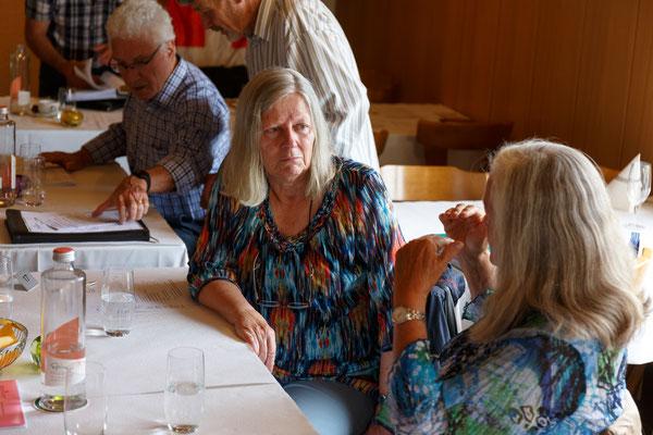 Vreni Heiniger und Dora Schulthess im Gespräch