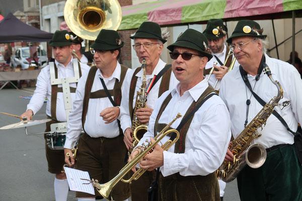 Ah ces musiciens, avec leur musique bavaroise savent mettre l'ambiance