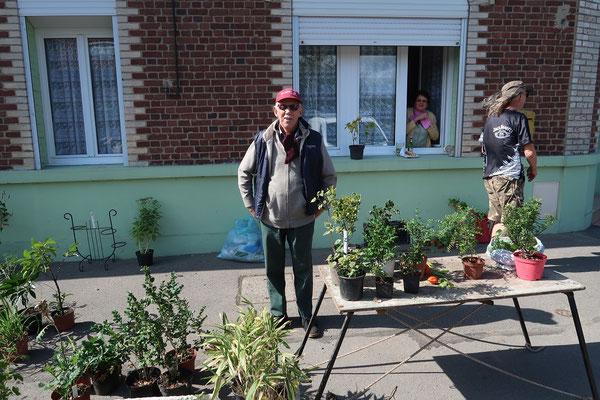 Le jardinier, Gérard a toujours autant de succès à l'entrée de la réderie