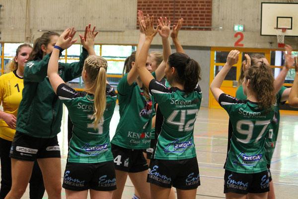 Die 2. Damen freut sich über den Sieg gegen den Lehrter SV.
