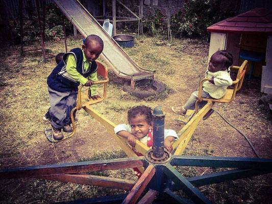 Spielplatz für unsere Waisenkinder