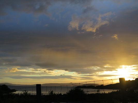 Sonnenuntergang mit Blick of Skye nach 22.00 Uhr