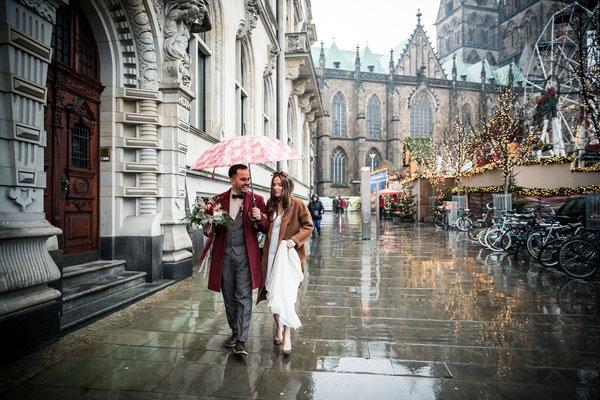 Manche Paare sehen den Regen als Hinderniss, ich hingegen sehe es als Möglihckeit, dass ein Bild noch intensiver ausschaut. Seht selbst!