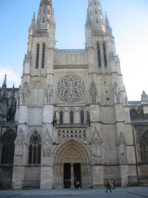 Façade  de la cathédrale Saint-André