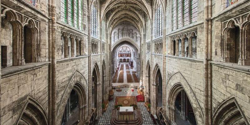 Intéreur  de la cathédrale Saint-André