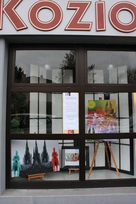 Foto: Seona Sommer ++ Ausstellungsort Nr.  38 > Bestattungen Koziol > Werner Piller