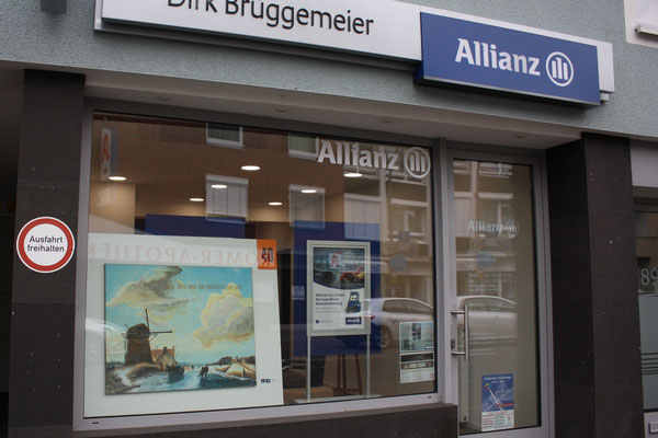 Foto: Seona Sommer ++ Ausstellungsort Nr.  40 > Allianz Versicherungen > Helmut Middendorf