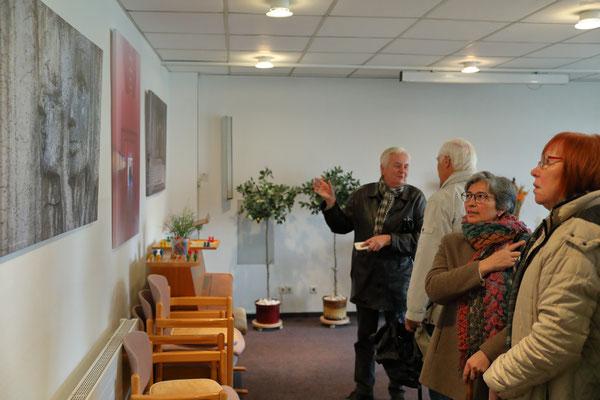 Foto: Andreas Böhling -- 1. Kunstspaziergang ++ Ausstellungsort Nr. 45 > Matthias-Claudius-Heim > Hans Joachim Reiter