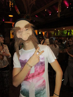 """""""Ohne Masken bin i scheener"""""""