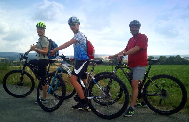 Gäste aus dem Umland. First time e-biking im Deister.
