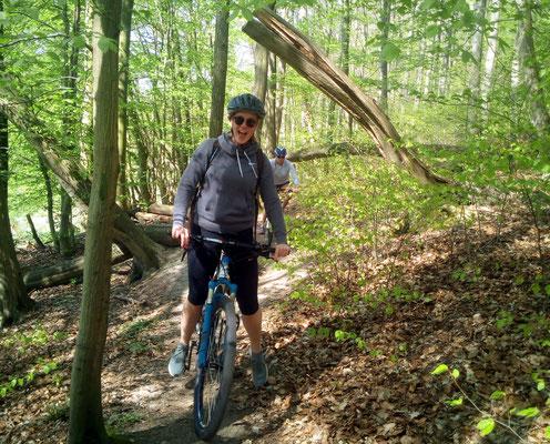 Den Waltherbachtal Trail hinauf. Mama du schaffst das:) Den Ü30 und Märchenwaldtrail auch. Autsch!!!