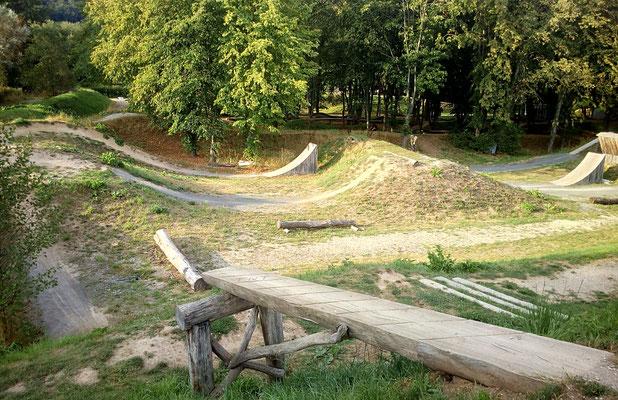 Drop und BMX und Sloope Style Bahn