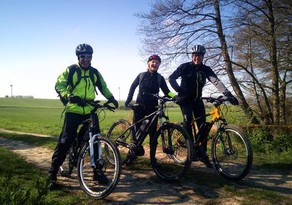 """2019-04 3 x """"The Teachers"""" aus Hannover auf e-bike tour, äußerst entspannt, sonnig und frisch:)"""