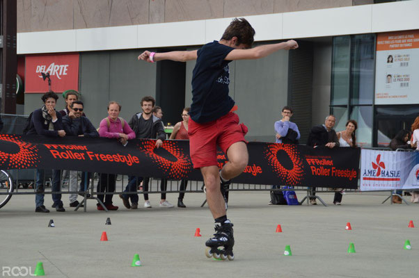 ROOL - Teddy Thierry - Roller Freestyle Rennes sur roulettes