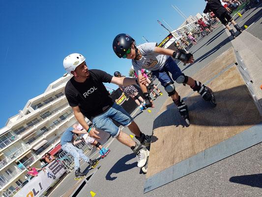 ROOL - Stephane Luchie - Prof Roller avec enfant sur tremplin