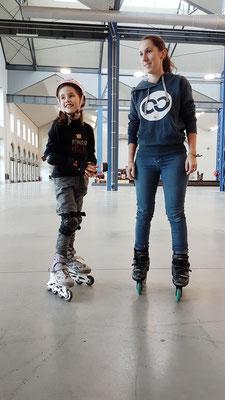 ROOL - Emilie Mignano - Avec une jeune patineuse
