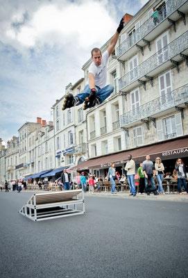 ROOL - Marc Frémond - Démonstration de saut avec tremplin en ville