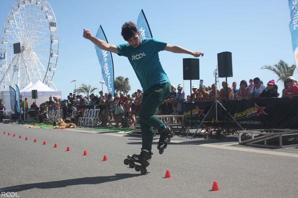 ROOL - Teddy Thierry - Slalom sur une roue en démonstration