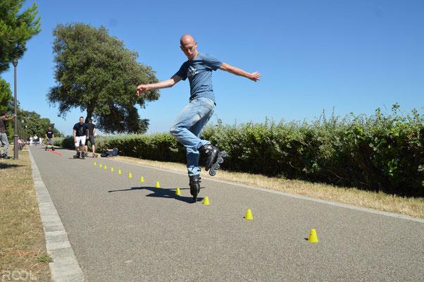 ROOL - Ken Chalot - En wheeling arrière sur slalom