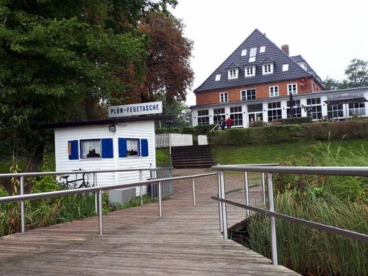 Anleger Plön-Fegeteich, Villengegend